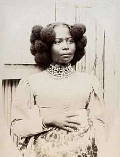 Shes Absolutely Gorgeous Blackqueen Naturalhairrocks Wcw - vintage african hairstyles african hairstyles with thread African American Beauty, African Beauty, Vintage Black Glamour, Vintage Beauty, American Photo, My Black Is Beautiful, Absolutely Gorgeous, Black History Facts, Black Pride