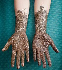mehndi maharani finalist: Henna Cafe http://maharaniweddings.com/gallery/photo/27022