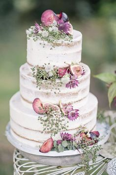 Semi Naked Cake with Fig Decor | Dreamy English Elegance Floral Inspiration Shoot Captured by Fine Art Photographer Kathryn Hopkins Photography | Fallen Flower Design | Heart & Soul Cakes | http://www.rockmywedding.co.uk/english-elegance/