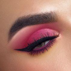 Rock Makeup, Eye Makeup Art, Makeup Inspo, Makeup Inspiration, Sultry Makeup, Fun Makeup, Makeup Ideas, Pink Eyeshadow Look, Crazy Eyeshadow