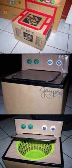 Com caixas de papelão as crianças podem construir um mundo: castelos, cidades, armaduras de guerreiros, naves espaciais, foguetes.