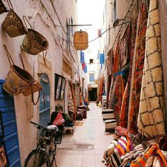 Un grand week-end à Essaouira : conseils et coups de coeur Agadir, Morocco Travel, Africa Travel, Chefchaouen, Africa Destinations, Africa Art, North Africa, Travel Goals, Travel Inspiration