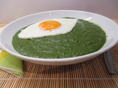 Spenótfőzelék - Spinach cream - typically with an egg. Hungarian Recipes, Hungarian Food, Spinach, Eggs, Breakfast, Cream, Morning Coffee, Creme Caramel, Hungarian Cuisine