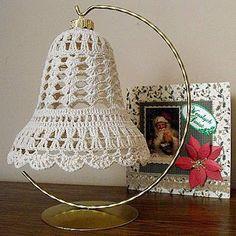 Crochet Christmas Decorations, Crochet Decoration, Beaded Christmas Ornaments, Christmas Crafts For Gifts, Handmade Christmas, Irish Crochet Patterns, Doily Patterns, Crochet Motif, Crochet Designs