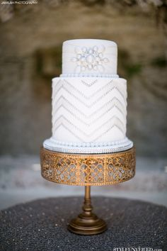 Why It Works Wednesday: Flapper Inspired Art Deco Wedding Cake A La Gatsby