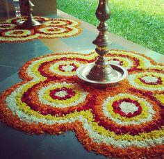 Easy Rangoli Designs Diwali, Rangoli Designs Latest, Rangoli Designs Flower, Diwali Diy, Colorful Rangoli Designs, Rangoli Designs Images, Flower Rangoli, Simple Rangoli, Diwali Decoration Items