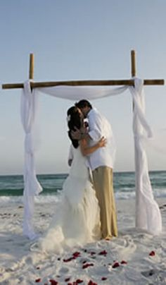 Beach & Destination Wedding Planning Service for Destin, Ft.Walton, & Pensacola, Florida| by LoughTide Beach Weddings| Florida Beach Wedding Packages