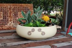 I love to junk and one thing I see over and over is wooden salad bowls. When I scored this beauty for $1 I knew it had a special makeover coming it's way! [medi…
