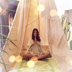 Alessandra Ambrosio http://www.vogue.fr/mode/mannequins/diaporama/la-semaine-des-tops-sur-instagram-21/17981/image/988031#!alessandra-ambrosio