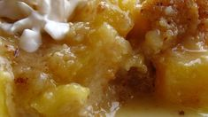 Pineapple Crisp Not your typical crisp, this one has a tropical feel. Crushed pineapple is layered with a buttery, brown sugar crumbly topping. Donut Recipes, Fruit Recipes, Sweet Recipes, Baking Recipes, Snack Recipes, Dessert Recipes, Yummy Recipes, Recipies, Pineapple Recipes