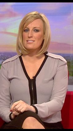 Curvy Women Outfits, Clothes For Women, Steph Mcgovern, Shania Twain Pictures, Susanna Reid, Cafe Racer Girl, Female Supremacy, Tv Presenters, New Girl