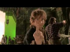 Bilbo fucking Baggins , Bilbon Sacquet aime faire des doigts d'honneur