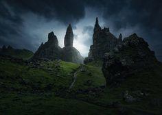 Dark mass Storr. by Juan Pablo de Miguel