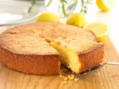 Gluten Free Lemon Cake Recipe from Annabel Karmel Lemon Polenta Cake, Polenta Cakes, Gluten Free Lemon Cake, Gluten Free Cakes, Lactose Free Recipes, Wheat Free Recipes, Food Cakes, Cake Recipes With Pictures, Food Intolerance