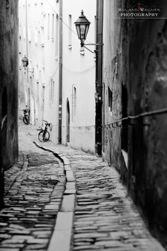 Photo Small Alley by Roland Wagner on 500px