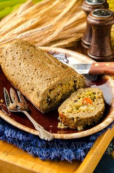 A beautiful Stuffed Seitan Roast that's fit to be the centerpiece of any vegan Thanksgiving! And the quinoa stuffing is a healthier twist on a classic. Seitan Roast Recipe, Seitan Recipes, Vegetarian Recipes, Vegan Roast, Healthy Recipes, Vegetarian Meatloaf, Veg Recipes, Healthy Meals, Yummy Recipes