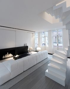 Modern Stairs // white stairs in this interior designed by Mayelle Architecture Inteiror Design Small Living Rooms, Living Spaces, Deco Cool, Tangram, Architecture Design, Design Moderne, Minimalist Interior, Beautiful Interiors, Black Interiors