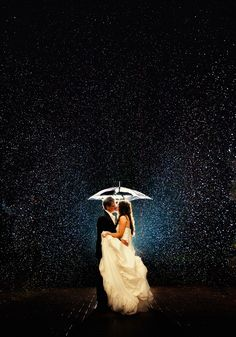 Amazing Wedding Photography in the rain.