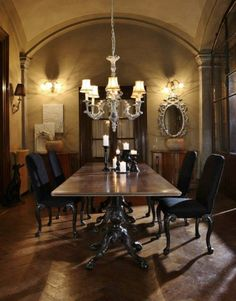 The George II Ball And Claw Reproduction Dining Table And Matching Dining  Chairs Creates The Most Dramatic Of Atmospheres For Any Dining Room.