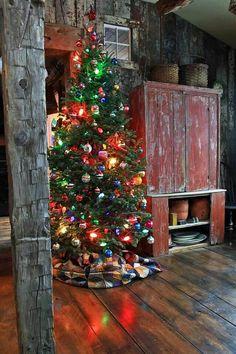 A Farmhouse Primitive Christmas Cabin Christmas, Merry Little Christmas, Noel Christmas, Country Christmas, Winter Christmas, All Things Christmas, Christmas Makeup, Christmas Photos, Cowboy Christmas