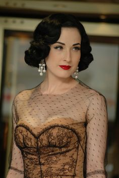 Beautiful dress http://dosburros.hubpages.com/hub/Dress-in-fashion-Burlesque