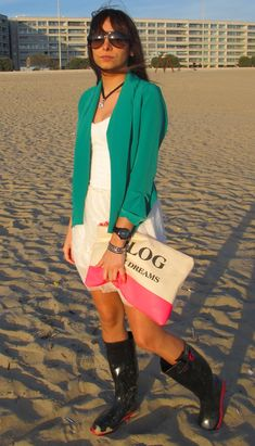 Vestido Dress, Wellies Rain Boots, Vogue, Wellington Boot, Ideias Fashion, Blogging, Look, Personal Style, Cover Up