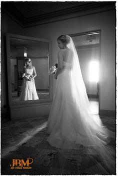 i hope my wedding photographer does a shot like this. I think it's gorgeous.