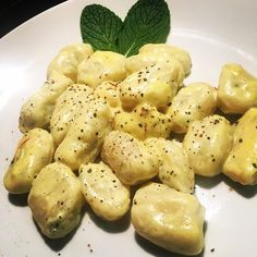 Home made mint gnocchi with creamy lemon saffron sauce 😍 #vegan #vegans #food #veganfood #whatveganseat #veg #veggiebuzzing #vegansofig #vegansofinstagram #veganlife #veganshare #veganfoodporn #crueltyfree #easyvegan #veganeasy #veganfoodshare #vegansnack #followme #imadedis #veganeating #masterchef #veganeats #vegansdoitbetter #veganfoodisboring #mykitchenrules #veganaf #rabbitfood  Yummery - best recipes. Follow Us! #veganfoodporn