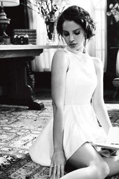 Image Via: style + chic = haute couture #lanadelrey #girlcrush