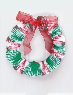 Yarnspirations.com - Bernat Wreath  | Yarnspirations