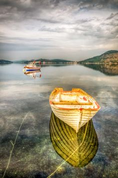 Highlight of sea ~ Turkey by Nejdet Duzen on Great Pictures, Cool Photos, Halloween Contacts, Float Your Boat, Reflection Photography, Old Boats, Beach Rocks, Water Reflections, Beautiful Lines