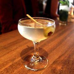Vodka Martini (Vodka, Dry Vermouth, Olive)