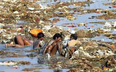 Water pollution is at its worst in India. The Ganges River, a holy river that was once pure Himalayan Mountain water has turned into a slimy monstrosity. If we were to look at any other river in the. Water Pollution In India, Ocean Pollution, Environmental Pollution, Plastic Pollution, Save Our Earth, Save The Planet, Hindus, Slums, Plein Air