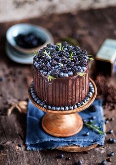 Espresso cake w/ berries Pie Cake, No Bake Cake, Cupcakes, Cupcake Cakes, Beautiful Cakes, Amazing Cakes, Espresso Cake, Cake Recipes, Dessert Recipes