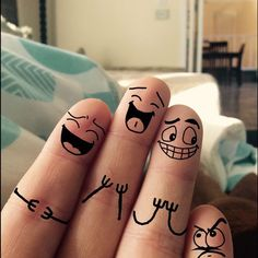 Smile Wallpaper, Cute Wallpaper For Phone, Passion Photography, Creative Photography, Funny Fingers, Finger Fun, Bff Quotes, Funny Tattoos, Crossed Fingers
