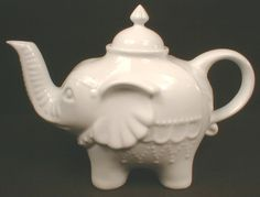 Tea Pots & Cozies Why do I not own this cute elephant teapot!