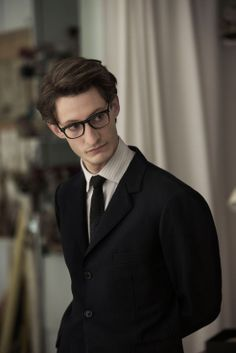 Pierre Niney, playing Saint-Laurent, in interview discusses his thoughts about the film, fashion and Yves Saint-Laurent. Saint Laurent 2014, Yves Saint Laurent, Story Inspiration, Writing Inspiration, Character Inspiration, Character Bank, Character Creation, Man Character, Writing Characters