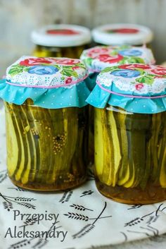 Perfect for peanut butter and pickle sandwiches! Check with the school rules before sending peanut butter or nuts to school😉 7 Up Bisquick Biscuits, Homemade Pickles, Pickle Relish, Polish Recipes, Chutney, Love Food, Snack Recipes, Food And Drink, Canning