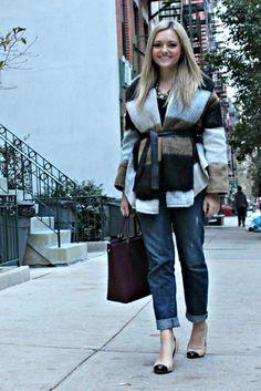 Beige Black Burgundy: Love this fall/winter look