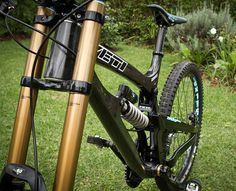 Jared Graves Yeti 3030 DH Carbon Bike front Triangle