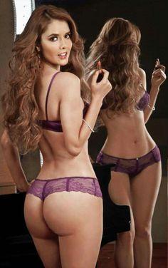 ariana grande sexy top
