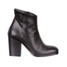 black leather boots - fiorifrancesi