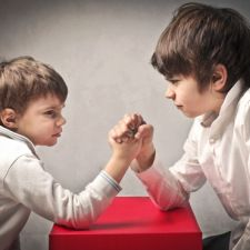 Turn Sibling Rivalry into Sibling Camaraderie - Right Start Blog // blog.rightstart.com