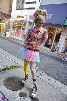 VANI Harajuku, Tokyo Decora SUMMER 2012, GIRLS Kjeld Duits SHOP ASSISTANT 6%DOKIDOKI  Blouse – 6%DOKIDOKI T-Shirt – 6%DOKIDOKI Skirt – 6%DOKIDOKI Shoes – N/A