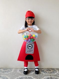 Zoë is that girl who comes up with wild costume ideas. Last Halloween, she wanted to be a cupcake. Mickey Halloween, Last Halloween, Homemade Halloween Costumes, Happy Halloween, Costume Halloween, Gumball Machine Halloween Costume, Gumball Costume, Boys Superhero Bedroom, Cute Costumes