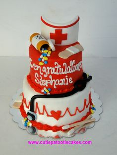 We love this wonderful #nursing #cake for a grad party!