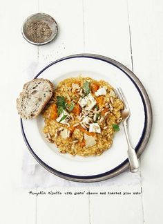 Pumpkin risotto with goat cheese and nuts