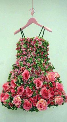 Dress made of flowers. #PANDORAloves