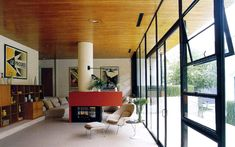 Entenza (Case Study 9) House, neighbor to  Charles and Ray Eames (Case Study 8) House | Architects : Charles Eames and Eero Saarinen | Photo : Julius Shulman