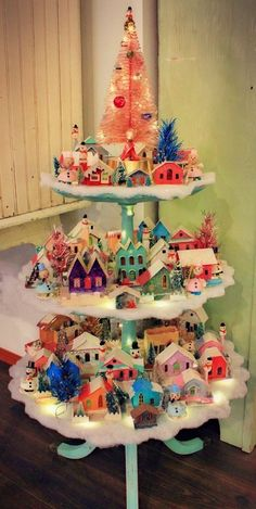 Vintage Christmas Tree Decorations That Are A Brilliant blend of Traditions & Nostalgia - Hike n Dip Vintage Christmas decorations are perfect blend of traditions & nostalgia. Vintage Christmas ornaments & toys are best items to decorate for the holidays. Noel Christmas, Vintage Christmas Ornaments, Vintage Holiday, Winter Christmas, Christmas Tree Decorations, Midcentury Christmas Decorations, Christmas Vacation, Pink Christmas, Retro Christmas Tree